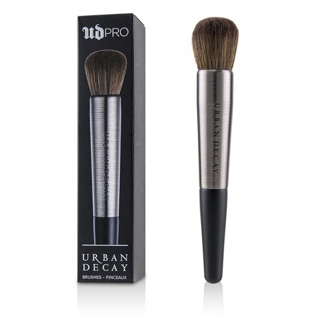 UD PRO Smoky Smudger Brush by Urban Decay #18